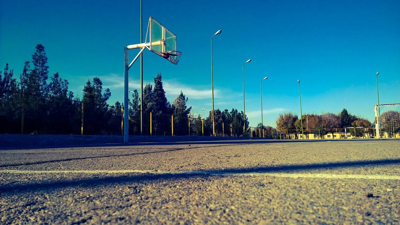 バスケのフェイントの極意とは?常に実戦を想定して練習しよう!
